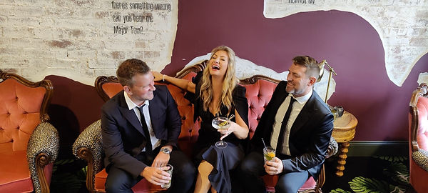 Brisbane Marriage Celebrant, Rowena Travi of Celebrant Chic Brisbane offers packages with Music: Martini Band