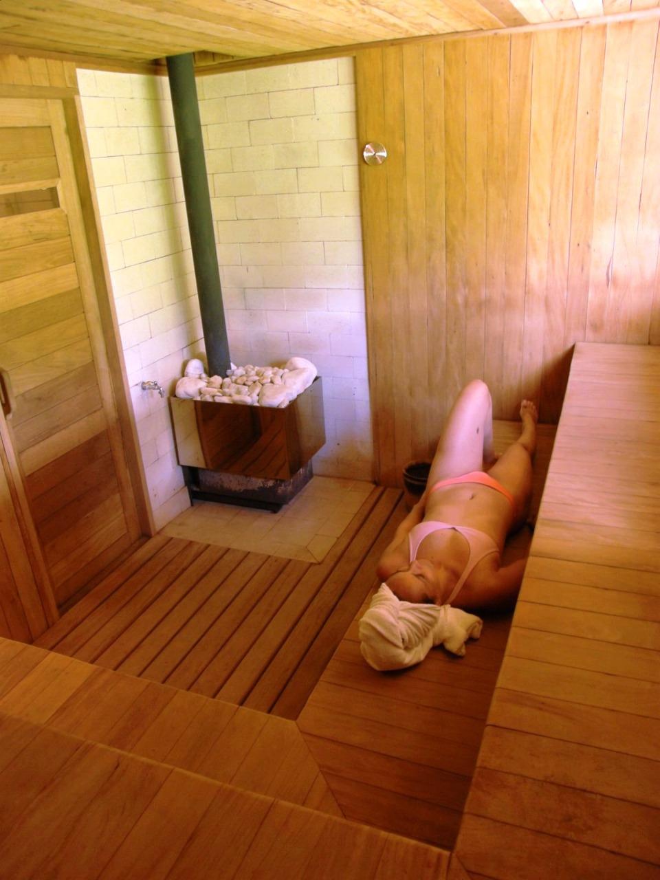 sauna seca com chaminé reta