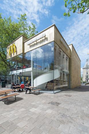 fachada construcao de imovel comercial p