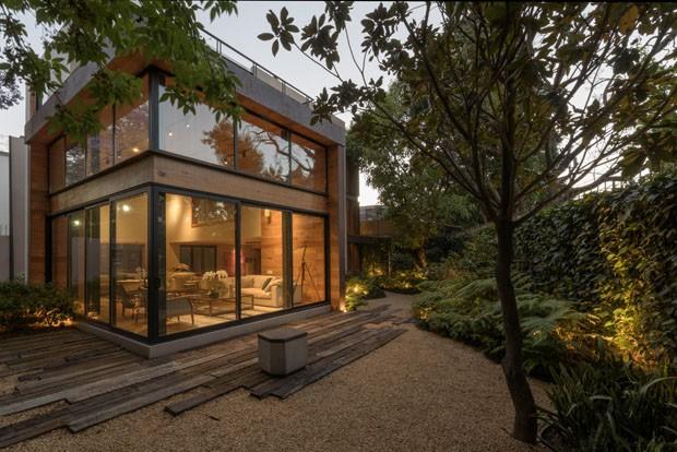 Casa Ecológica em Meio a Natureza