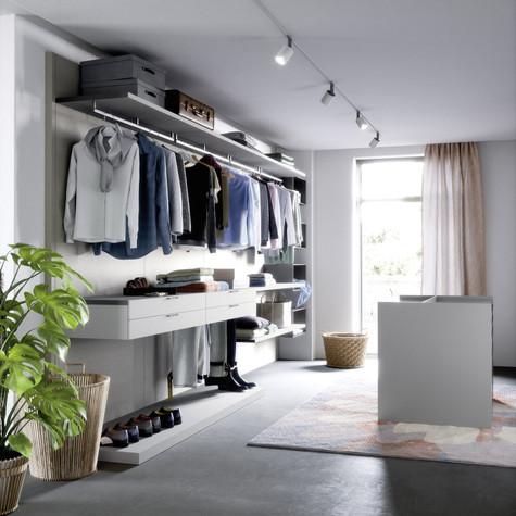 closet 27.jpg