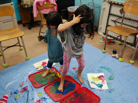 Let's paint with our hands and feet!