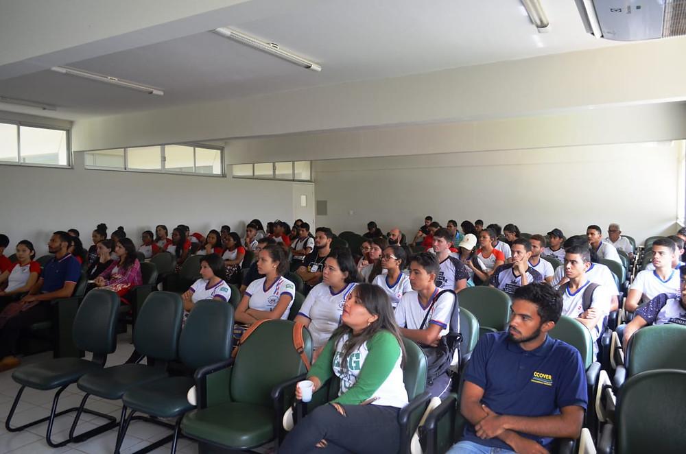 Estudantes no auditório da UFRA - Campus Parauapebas