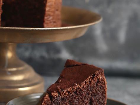 עוגת שוקולד עשירה  לפסח