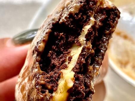 עוגיות שוקולד במילוי שוקולד לבן