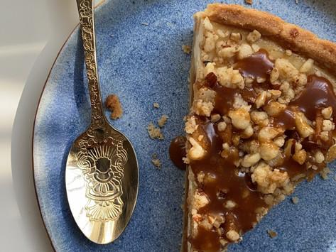 עוגת גבינה קרמל תפוחים פירורים