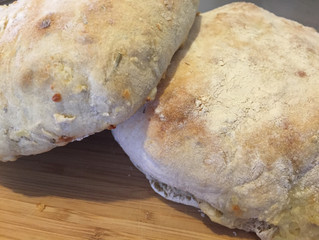 Pan de papa, queso y romero
