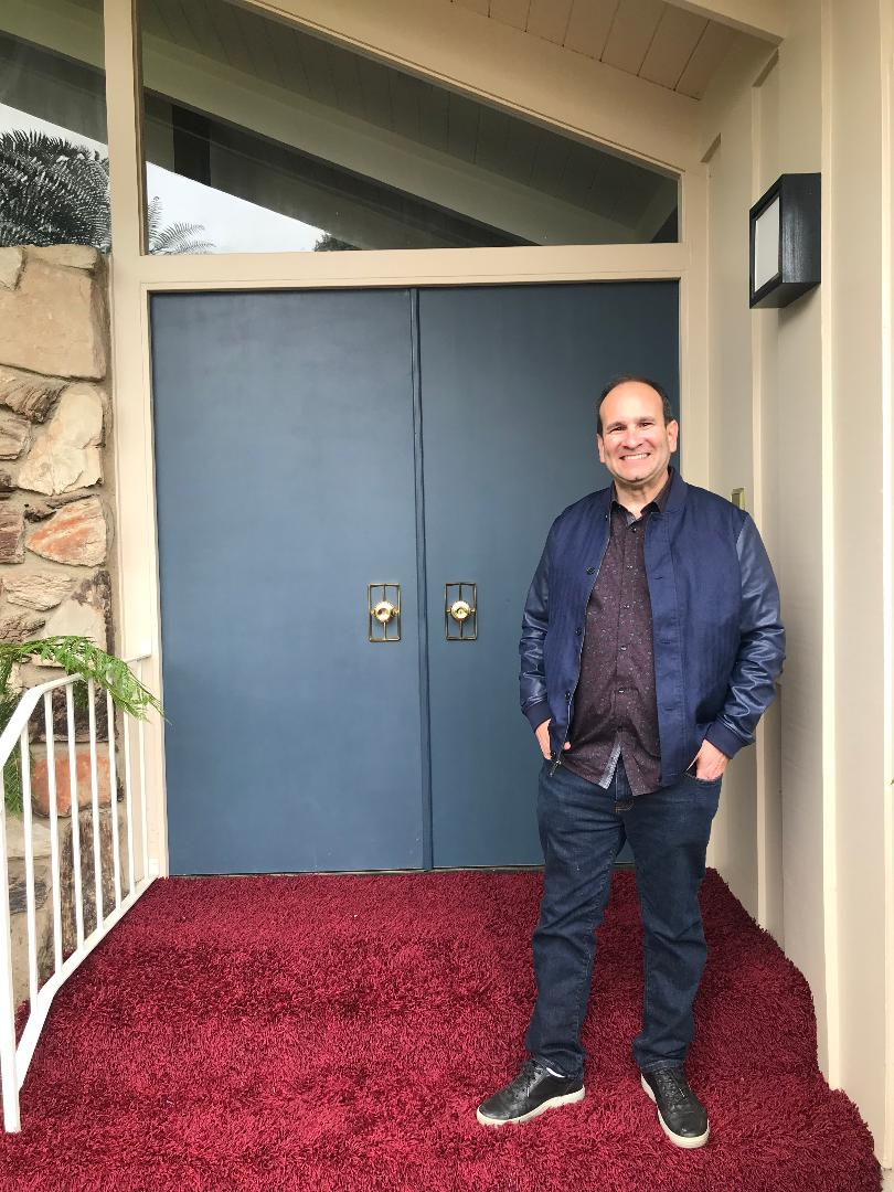 Me opening door 1 Brady Bunch 5-23-2019.