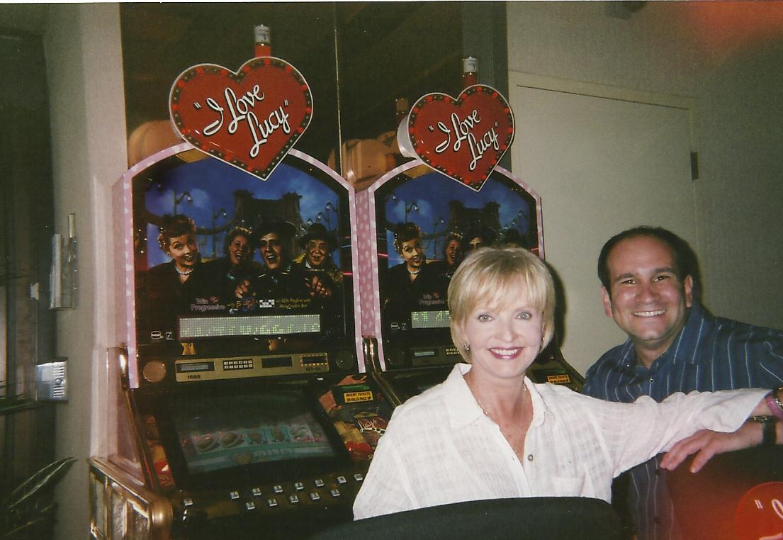 Florence Henderson slot Machine sitting