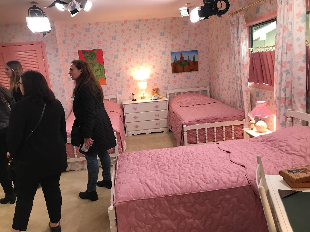 Girls Bed room Brady Bunch 5-23-2019