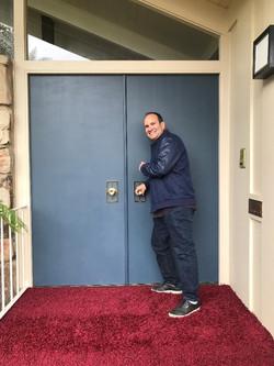 Me opening door 3 Brady Bunch 5-23-2019.
