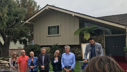 Brady Bunch all 6 in front of house 2 5-