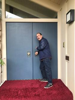 Me opening door 2 Brady Bunch 5-23-2019.
