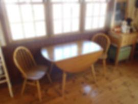 ラウンドテーブル (2).JPG
