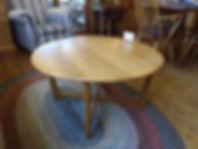 ラウンドコーヒーテーブル.JPG