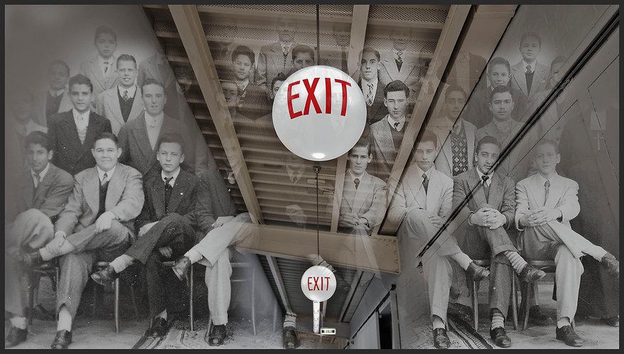 _DSC7660_Ham Bahnhof_hallway and exit si