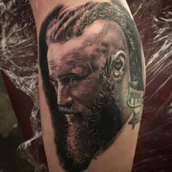 Tatuajes-realistas-Ragnar