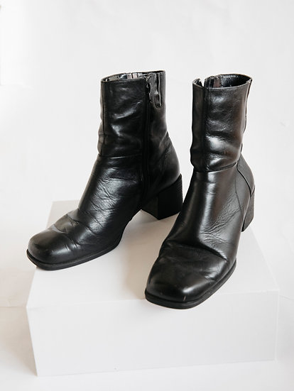 Vintage MG 90's Black Genuine Leather Chunky Boots