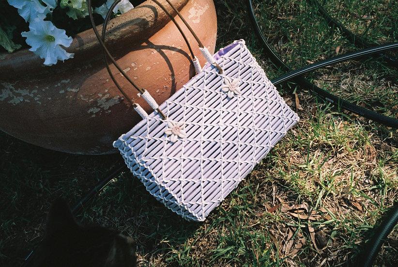 Vintage Lavender Sea Shell Woven Hand Bag