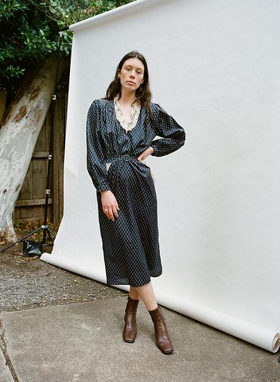 Vintage Gathered Lace Bellow Sleeve Midi Dress