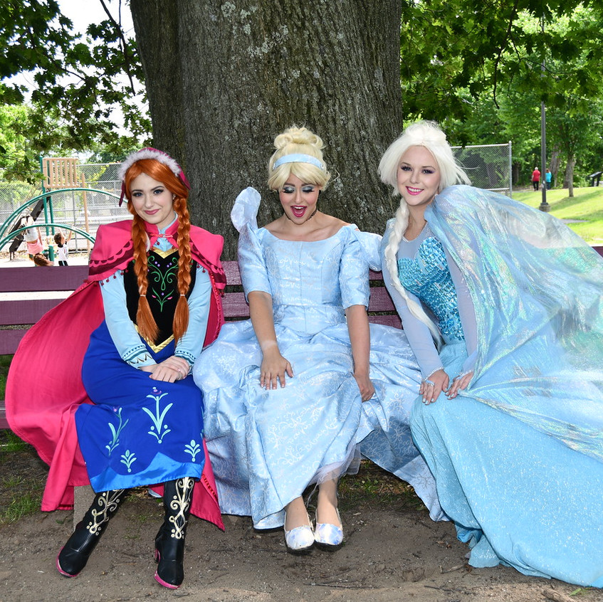 Snow Sisters and Cinderella