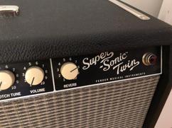 Fender SUPER TWIN REVERB AMP
