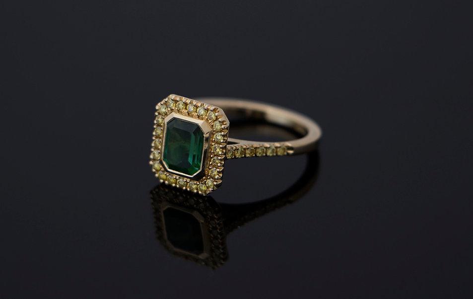 Toermalijn ring met diamant.jpg