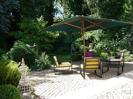 Gartenmöbelkollektion aus Edelstahl