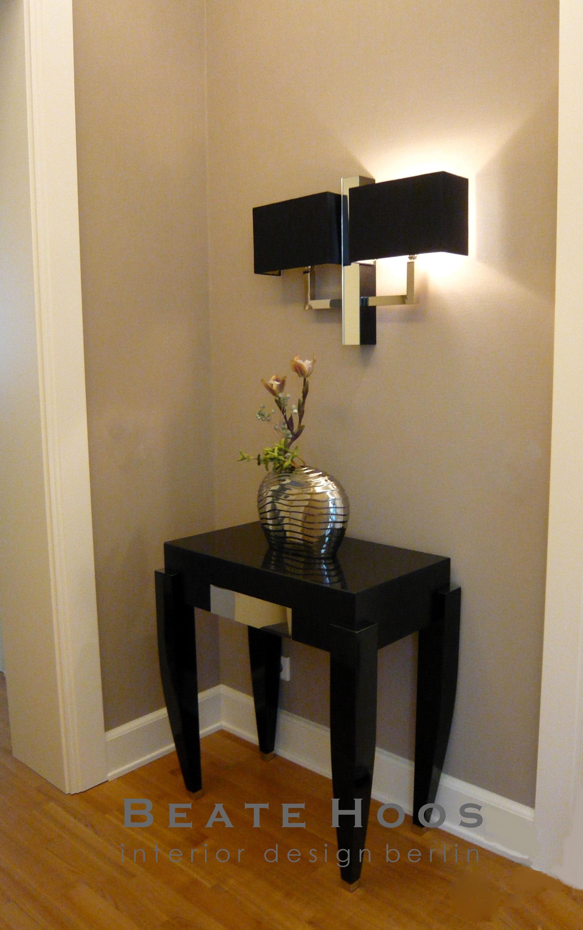 Tisch und Lampe aus eigenem