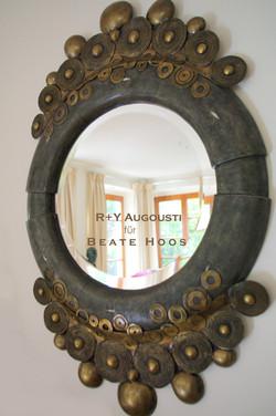 Spiegel von R+YAugousti Galuchat.jpg