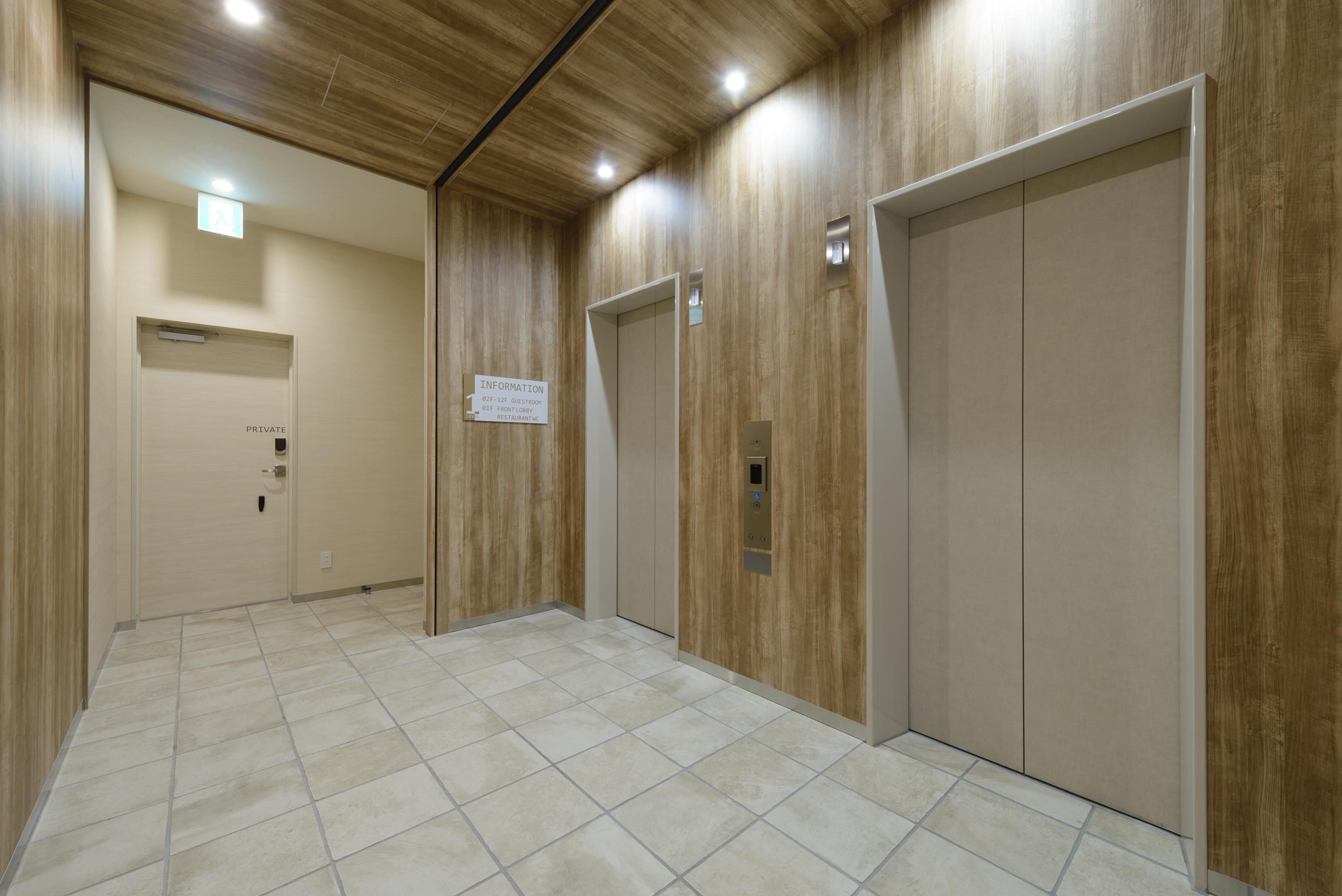 27 エレベーターホール