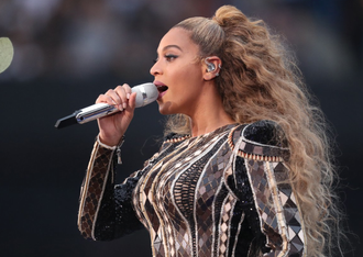 Beyonce' Wishes Sir and Rumi a Happy Birthday While on the Run! [WATCH]
