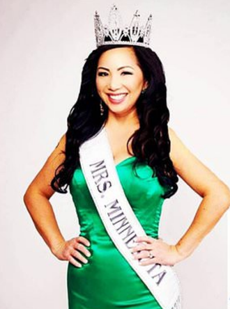 Former Beauty Pageant Queen Wife of Murdering Cop Derek Chauvin Once Wrote a Bad Check for $42.