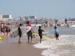 Surf sur la plage de l'école de Voile de Saint Jean de Monts