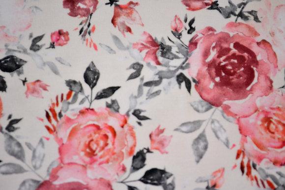 J růže na bílé