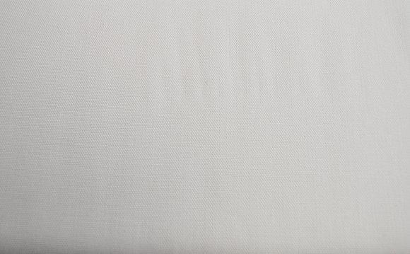 Kanvas bílý