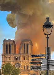 875px-Notre_Dame_on_fire_15042019-1_(cro