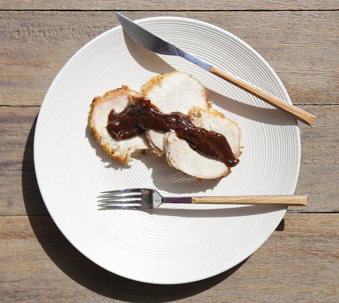 lomo de cerdo con salsa de ciruelas pasa