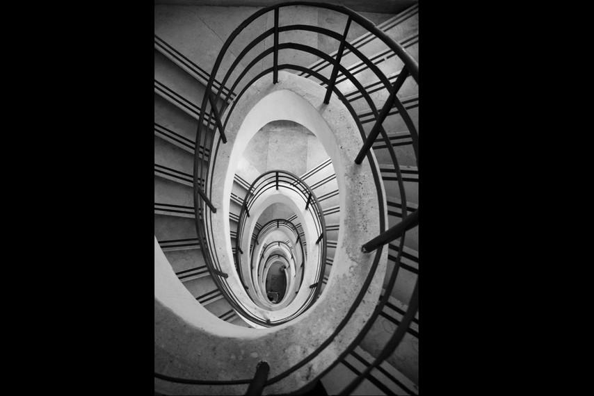 paul-trap-monument-in-brindisi-it-2jpg