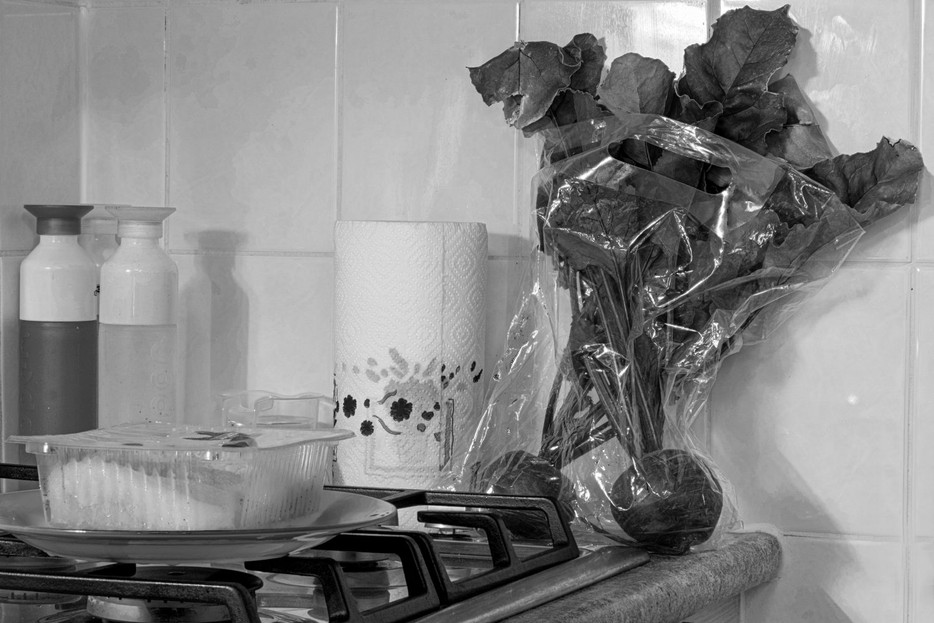 Maarten zw 2 keuken stilleven kroten   2.jpg