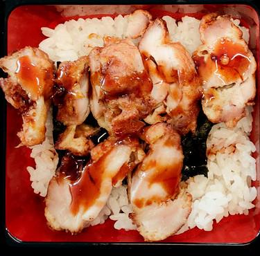 Tender deep fried chicken rice