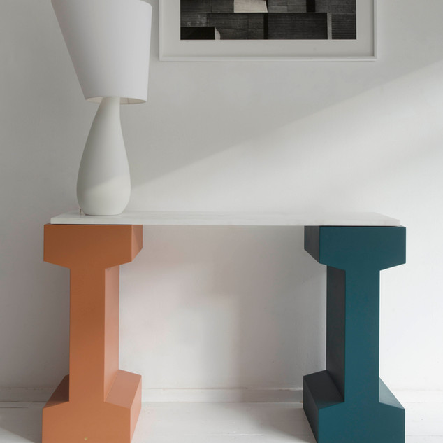 RAIL 750 console and Nefertiti lamp by Julien Barault