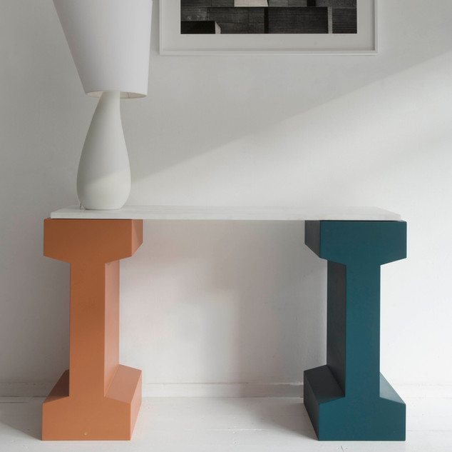 RAIL 750 console and Nefertiti lamp by Julien Barault