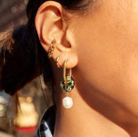 Gorgeous circular floral dangle earrings