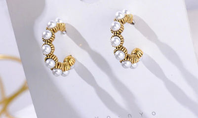 Minimalists gold tone and pearl hoops
