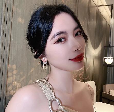Double ball pearl dangle earrings