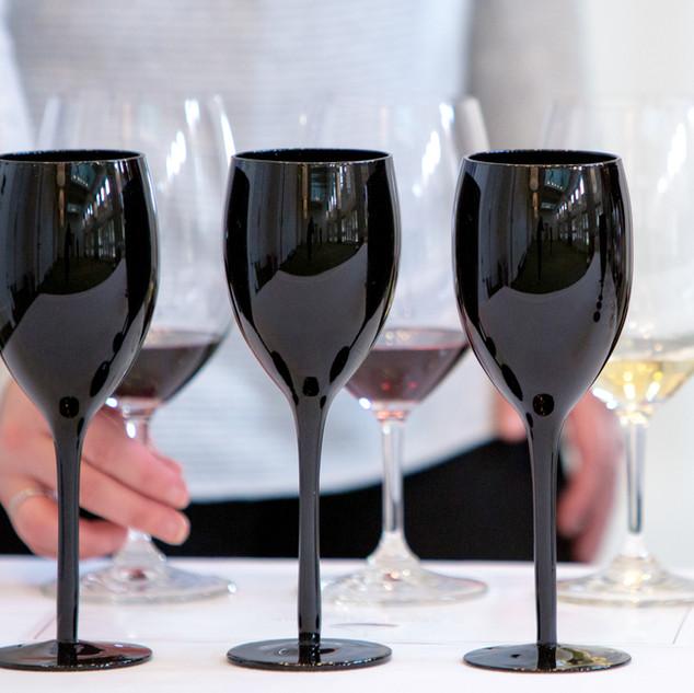 BLACK GLASS TASTING