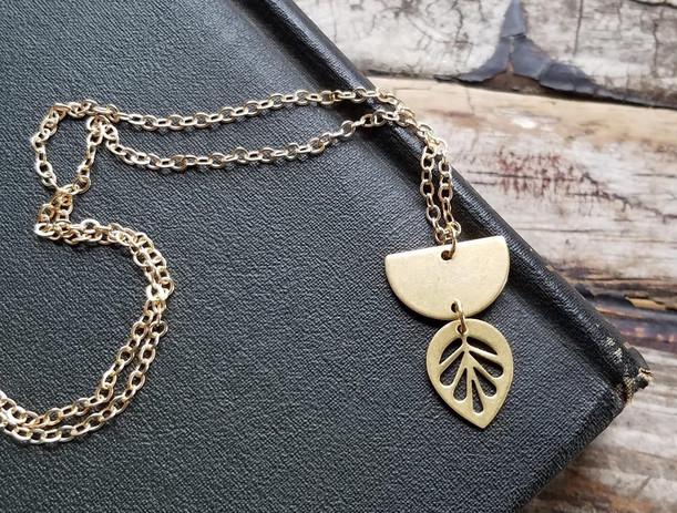 modern leaf necklace