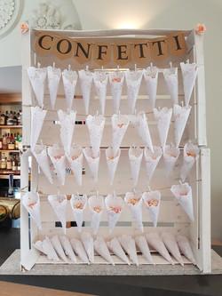 Conffetti stand hire