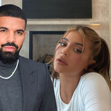 Kylie Jenner Proves She's No 'Side-Piece' To Drake In Racy Instagram Snaps